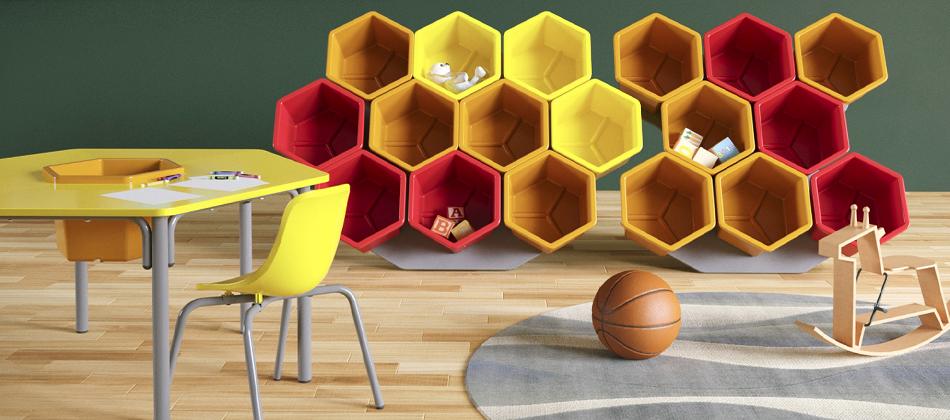colméia de materiais e mesa com cadeira